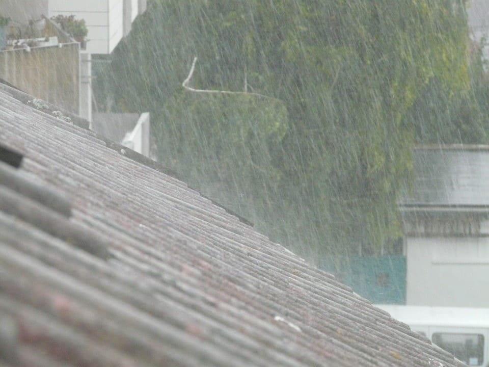 leaking roof ottawa